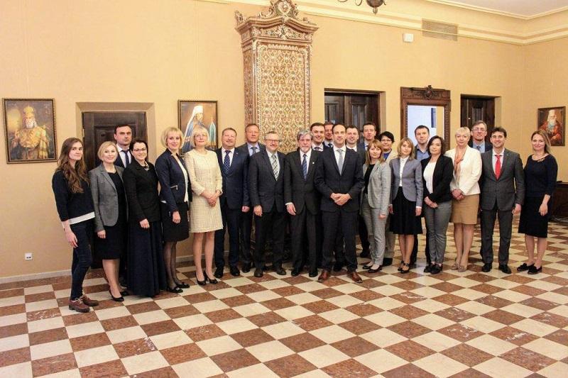 Участь представників ННІ БТ «УАБС» у офіційному запуску Національної навчальної програми з експорту до Канади